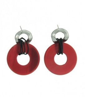 Mooie rode oorbellen met ronde ringen
