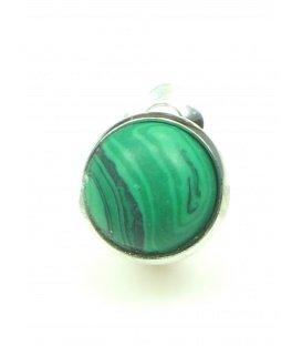 Oorclips met groene inleg. Diameter van de clip oorbel is 1,5 cm.