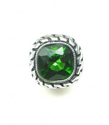 Zilverkleurige vierkante oorclips met groen facet glaskraal