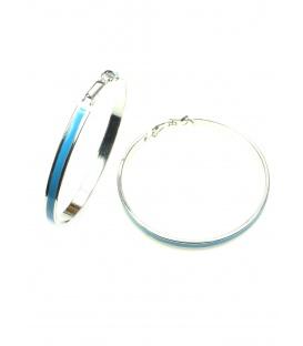 Zilverkleurige oorringen met blauwe inkleuring