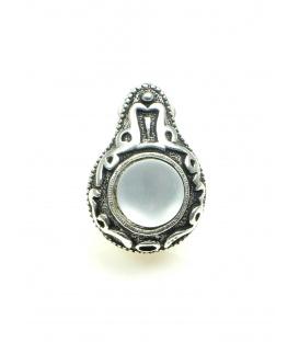Mooie zilverkleurige oorclips met matte glaskraal