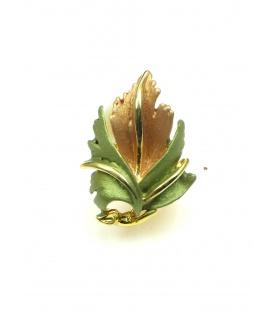 Zeer mooie bladvormige oorclips met groen, oranje en goudkleurige accenten