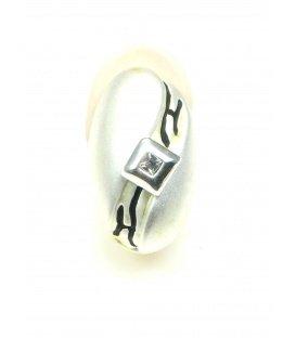 Mooie zilverkleurige ovale oorbellen met strass steentje