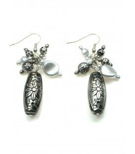Zilverkleurige kralen oorbellen
