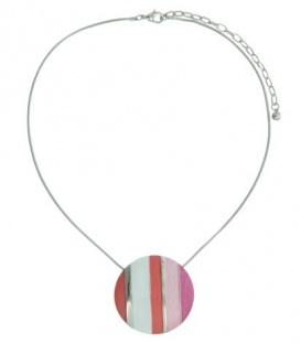 Zilverkleurige korte halsketting met roze ,rood,wit,zilverkleurig gestreepte hanger