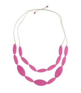 Lange roze halsketting met twee rijen houten kralen