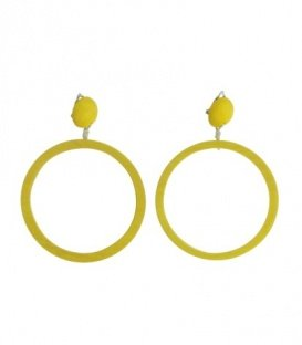 Gele oorclips met ronde houten hanger