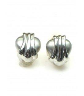 Zilverkleurige oorclips met streep motief