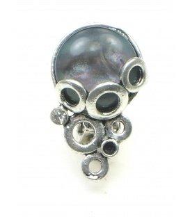 Zilverkleurige oorclips met irriserende grijze steen
