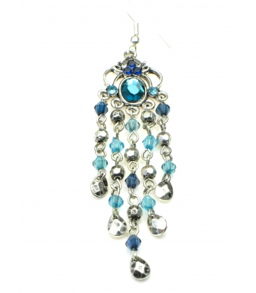 Lange oorbellen met blauwe strass steentjes en kralen