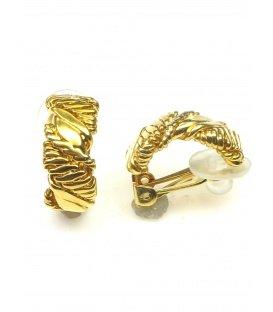 Halfronde goudkleurige metalen oorclips
