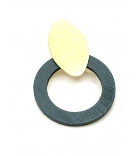 Oorclips met grijze houten ring en goudkleurige clip