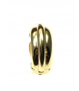 Halfronde metalen goudkleurige oorclips met streepmotief