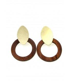 Oorclips met bruine houten ring en goudkleurige clip