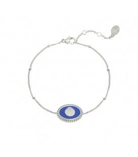 Mooie zilverkleurige armband met blauwe schelpbedel