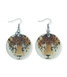 Leuke oorbellen van schelp met een tijger kop