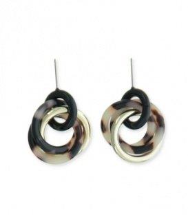 Bruin gekleurde oorbellen met meerdere ringen in schildpad motief
