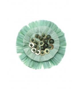 Mint groene oorclips met raffia bloem , pailletten en kraaltjes
