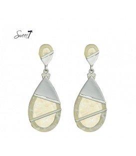 Mooie witte metalen oorbellen
