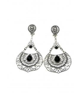 Zilverkleurige oorclips met filigrain hanger en zwarte strass steen