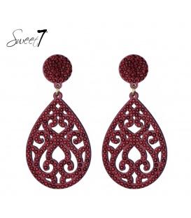 Rode oorbellen met bewerkte ovale hanger