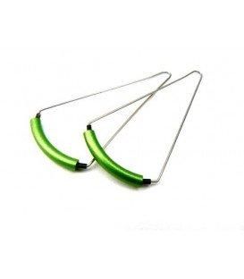 Groene gebogen oorbellen van Tjonge Jonge