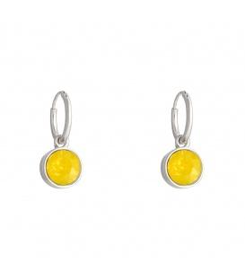 Zilverkleurige oorbellen met als hanger een gele steen