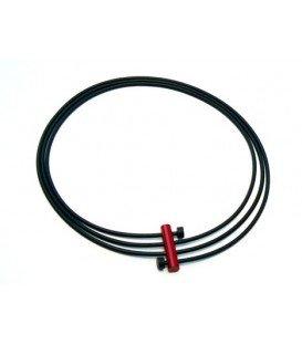 Tjonge Jonge ketting, zwart rubber koord met rode kralen