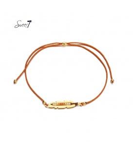Kastanjebruine elastische armband met goudkleurige detail met kleine kraaltjes