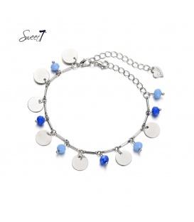 Zilverkleurige armband met muntjes en blauwe kralen