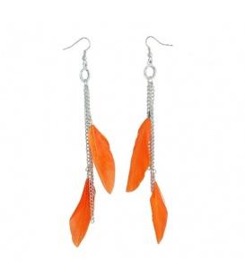Zilverkleurige oorhangers met oranje veren