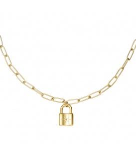 Goudkleurige schakel ketting met een slot