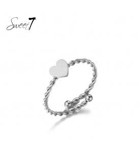 Zilverkleurige ring met een hart