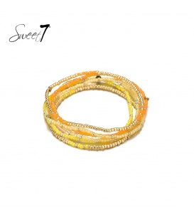 Wikkelarmband met kleine gele en goudkleurige kraaltjes