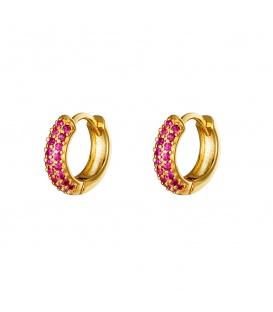 Goudkleurige oorringen met roze steentjes