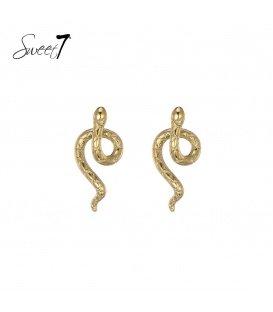 Goudkleurige oorstekers in de vorm van een slang