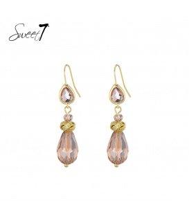 Goudkleurige oorhangers met een naturelkleurige glaskraal en steentjes