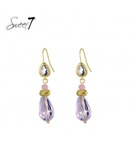 Goudkleurige oorhangers met een paarse glaskraal en steentjes