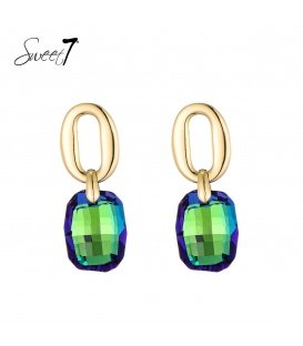 Goudkleurige ronde oorstekers met een hangende groene steen