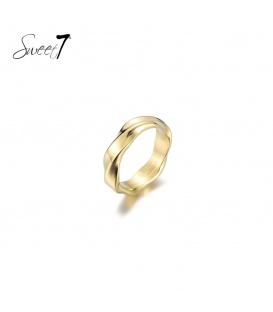 Basic goudkleurige ring met een draai (20)