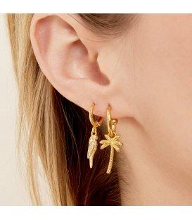 Leuke goudkleurige oorhangers met een palmboom als hanger