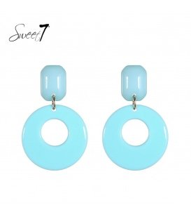 Licht blauwe oorhanger met een resin hanger