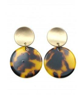 Kleine bruine oorclips met goudkleurige clip en ronde hanger