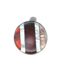 Rode gestreepte oorclips met parelmoer inleg gemaakt door Culture Mix
