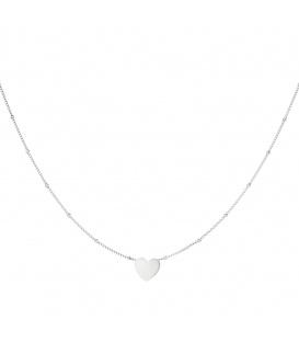 Zilverkleurige ketting met een hart