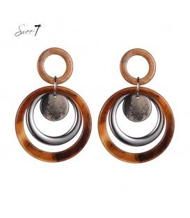 Bruin met zilverkleurige oorhangers met 2 cirkels als hanger
