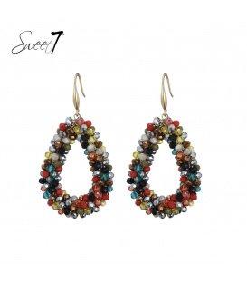 Gekleurde oorhangers met een ovale hanger en glas kralen