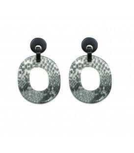 Ovale grijze oorbellen met dierenprint hanger en zwarte oorsteker