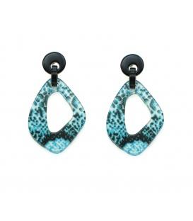 Driehoekige blauw groene oorbellen met dierenprint hanger en zwarte oorsteker