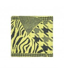 Geel gekleurde winter sjaal